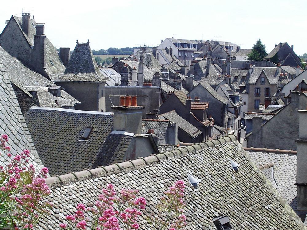Mur-de-Barrez rooftops