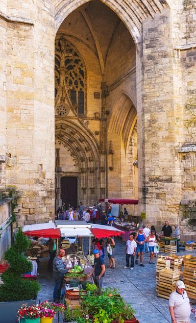 Villefranche de Rouergue on market day. Photo Credit: Peter Hopkins.