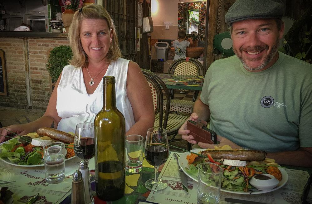 Sue and Jason just got served lunch at a St. Cirq La Popie restaurant