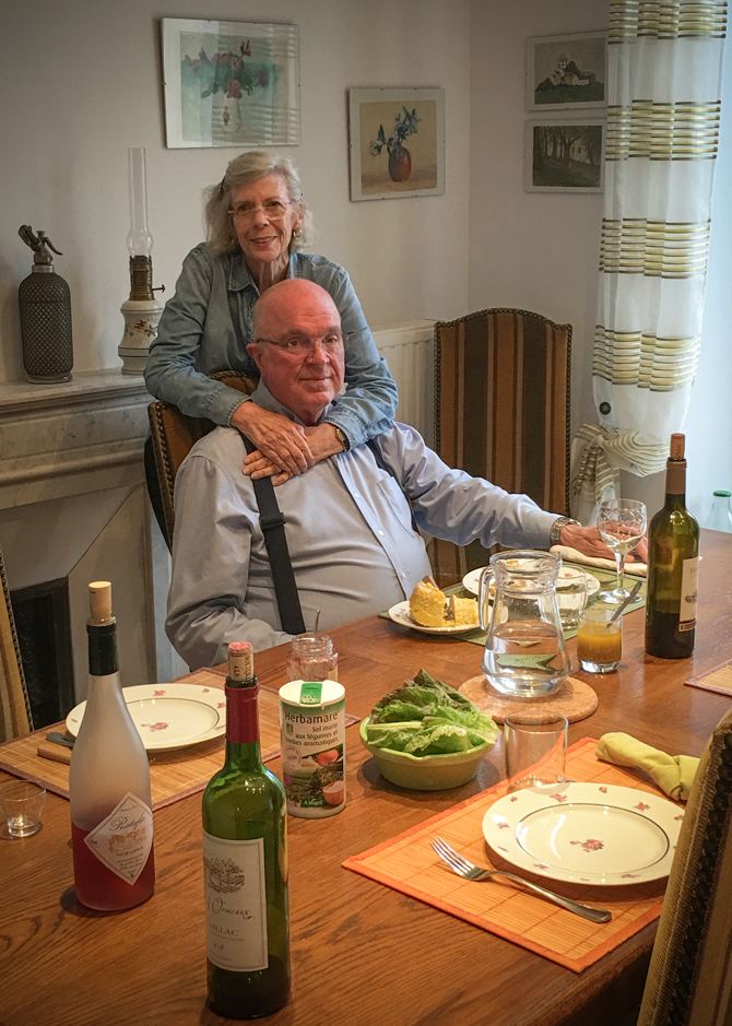 Richard and Diane having dinner at Baraqueville's home.