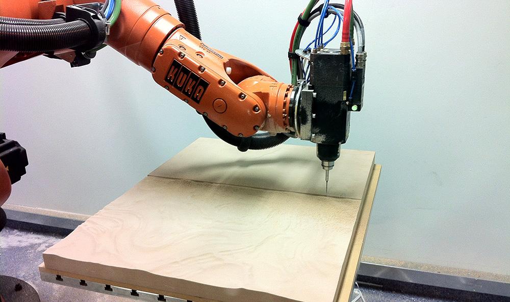 The base was milled from high density polyurethene (RenShape), using a Kuka KR60HA robot at RMIT University
