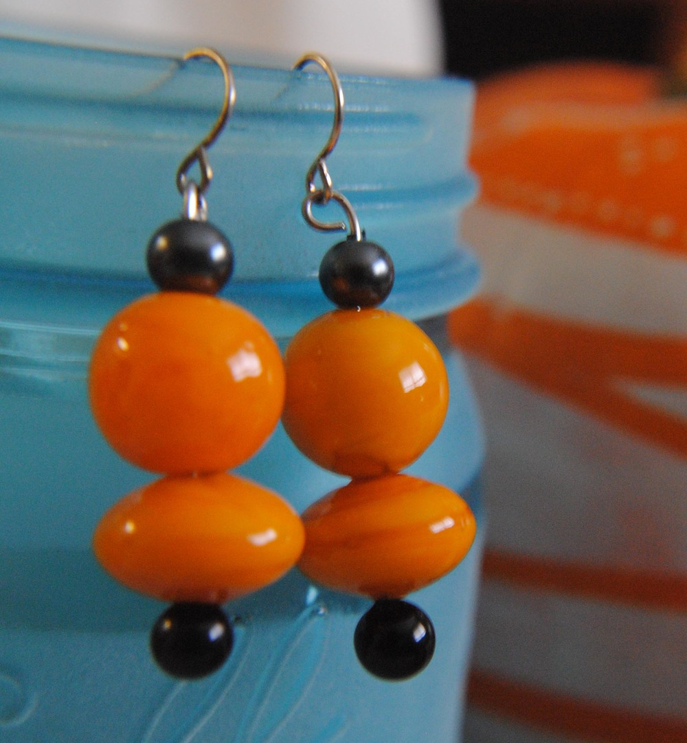 earring_orange_dangle1.jpg