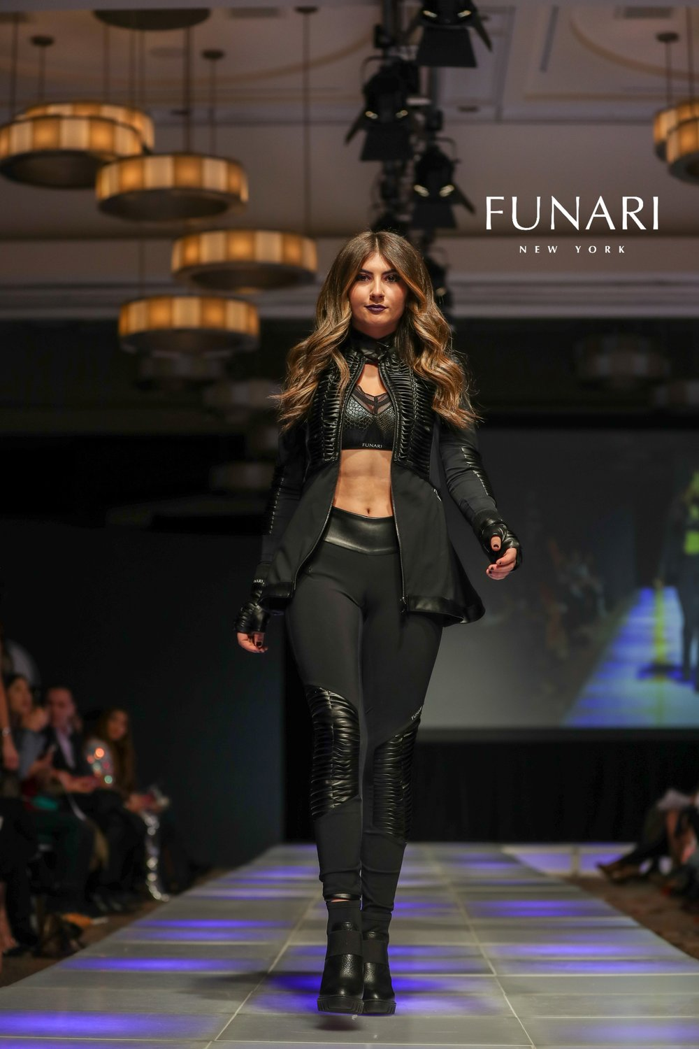 COUTURE LOGO JANLLE FUNARI MODEL MADISON PURICELLI 2018CFW0210-1X2V6543.jpg