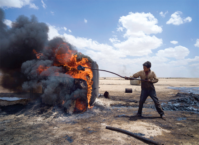 (via  Black-Gold Blues - The Hazards and Horrors of the Makeshift Oil Industry in Rebel-Held Syria | VICE United States )