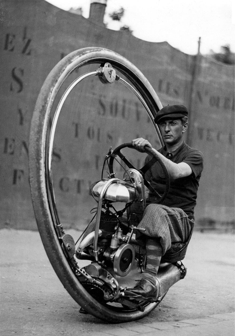 firsttimeuser :     Monowheel, 1933. Walter Nilsson inside the wheel