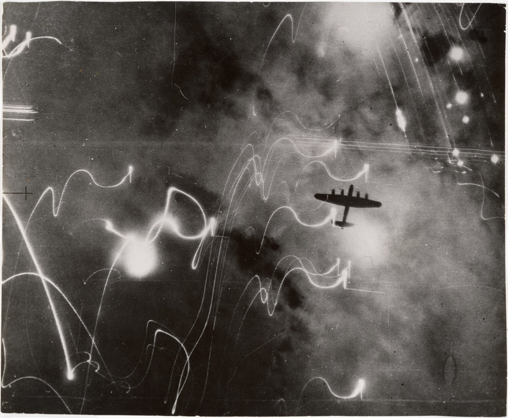 the-mtblog :     R.A.F. Raid on Hamburg January 30, 1943   Photograph: British Air Ministry
