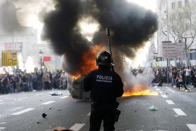(via  Spain labor protests | Photo Gallery - Yahoo! News )