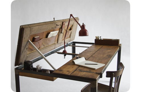 beautiful:   (via  Incredible Upcycled Table Made from a Vintage Door » Man Made DIY | Crafts for Men « Keywords: inspiration, table, diy, upcycle )