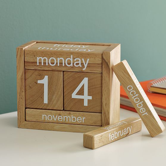 rozanes :     ReCraft Your Calender: Perpetual Wood Calender   Never buy another calendar again. With its natural wood finish and clever, compact design, this  Perpetual Calendar  is practical and fun to play with. Adjust the blocks to reveal the current date and day.   ————————————————————————————————— Displayed on  Recraft  |  Facebook  |  Twitter  —————————————————————————————————