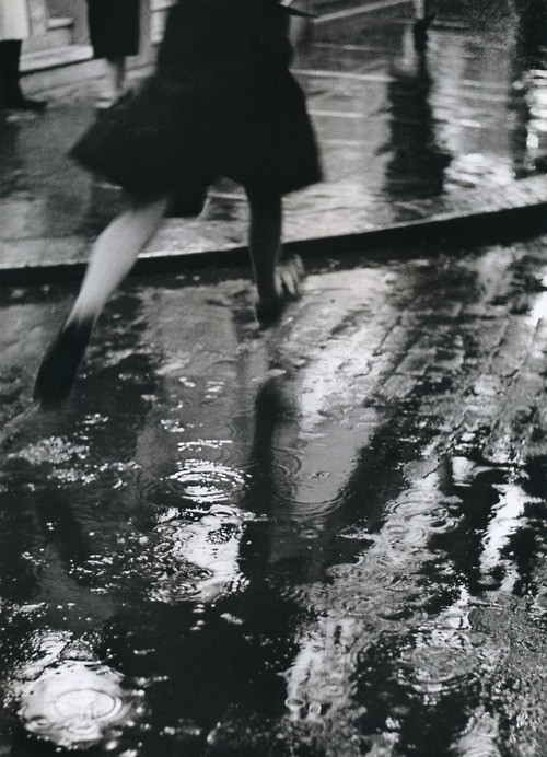kilyoum :     From Charing Cross Road series by Wolf Suschitzky