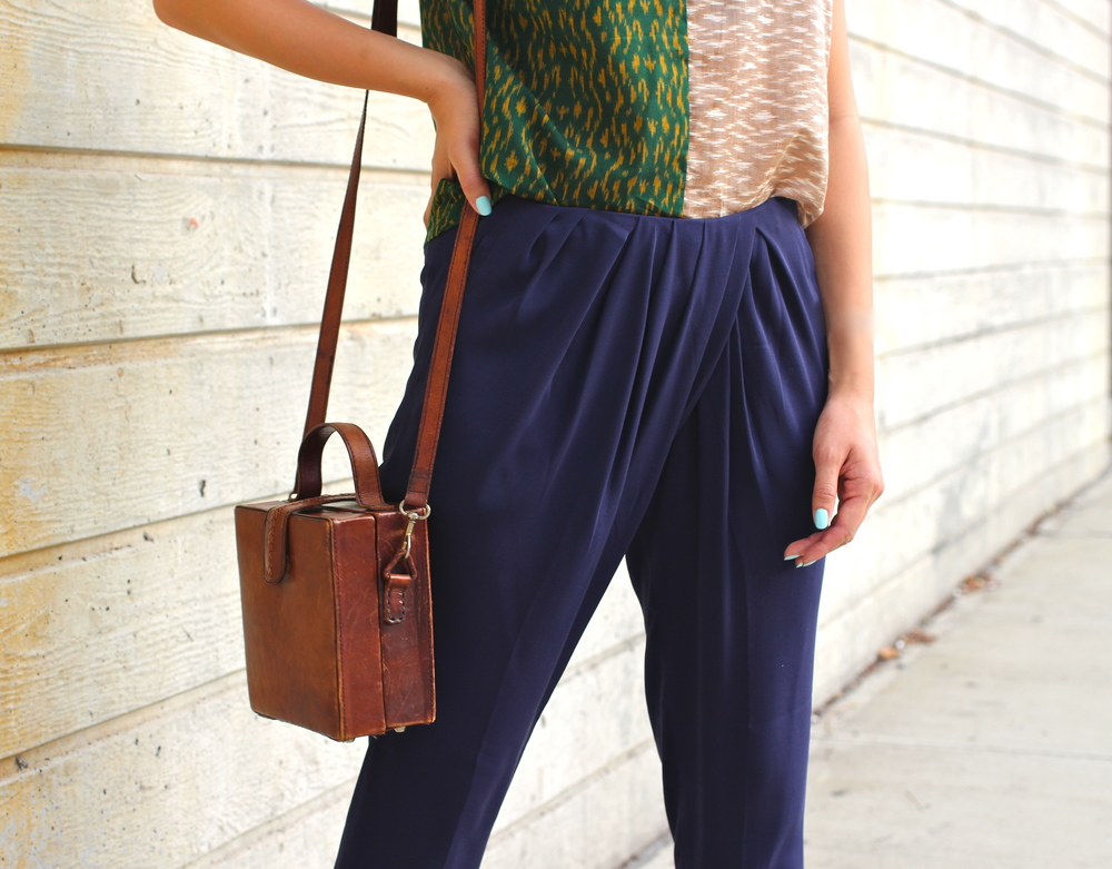 colorblock_print_top_pleated_pants_vintage_bag.JPG