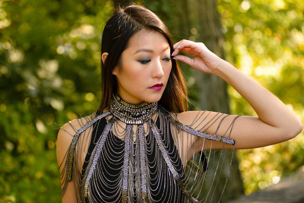 blackdress_neckpiece4.jpg