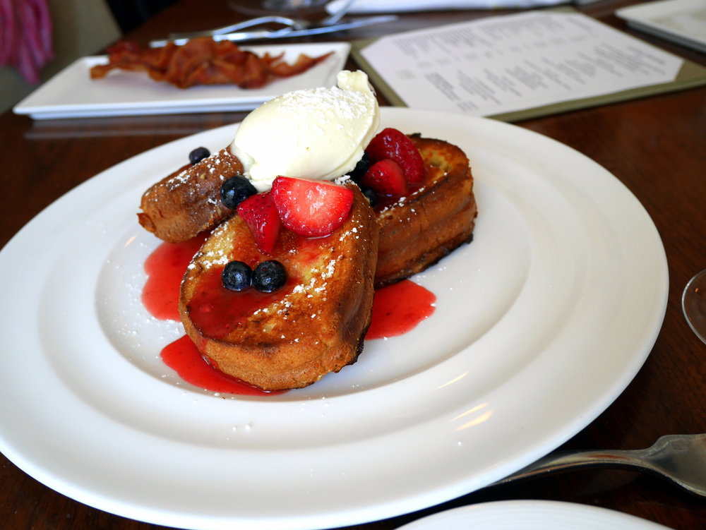brunch_frenchtoast_fruit.jpg