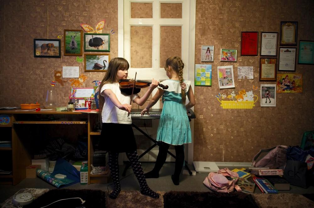 """""""Aktirovka' is een magisch woord voor de kinderen. Het betekent dat ze vanwege het weer niet naar school kunnen. Een aktirovka kan dagen duren."""