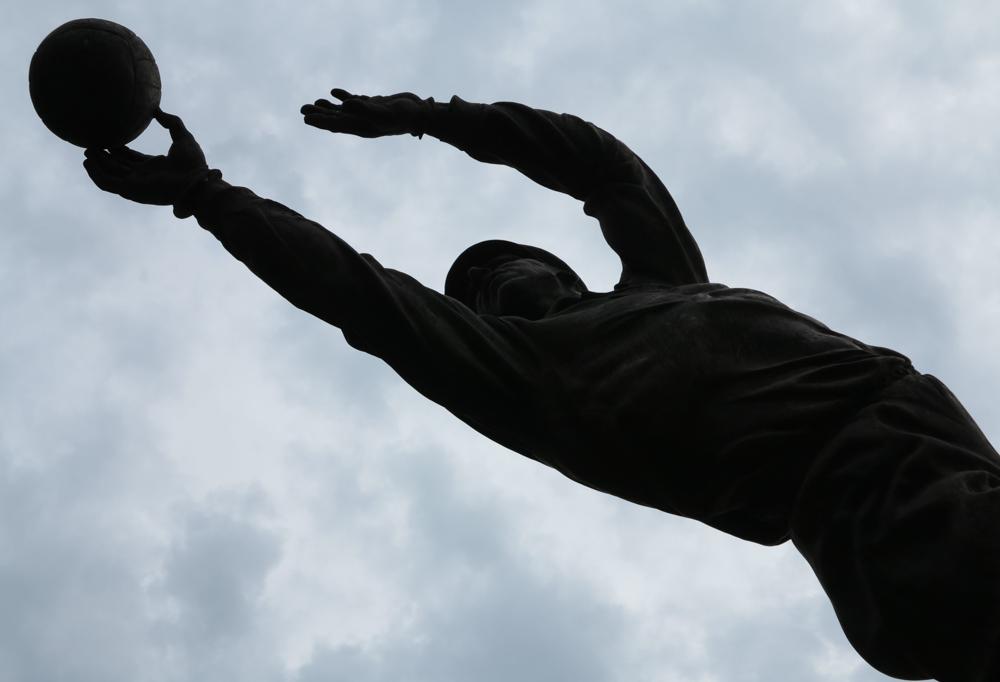 standbeeld silhouet Jasjin Moskou voetbal