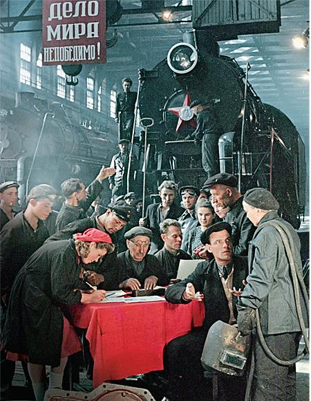 fotograaf Isaak Toenkel propaganda fabriek Lovjetrunie locomotief