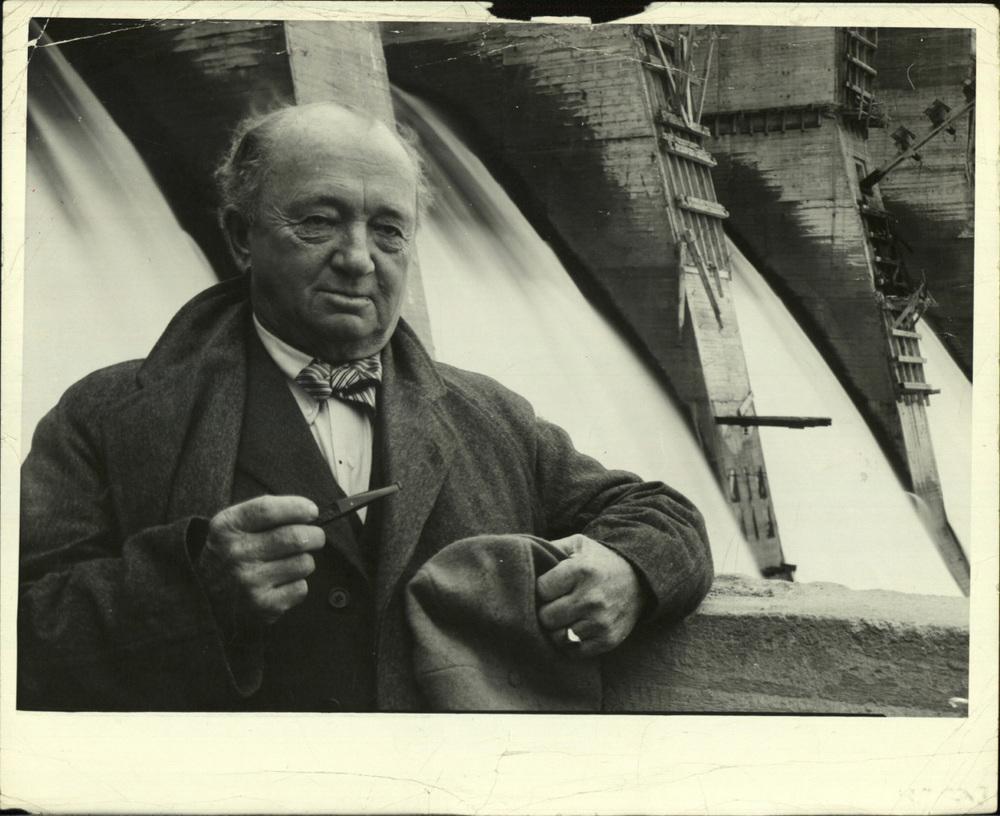 Amerikaanse ingenieur Hugh Cooper, Dnjepr-stuwdam, Zaporozje