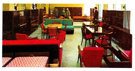 Een Moskouse Berjozka gespecialiseerd in meubels