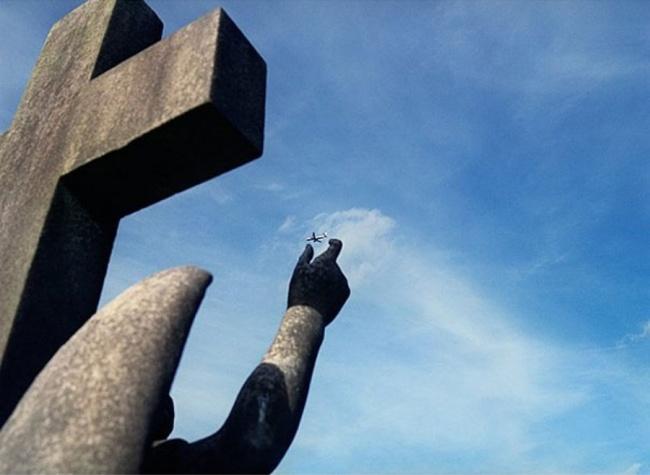 Statueplane.jpg