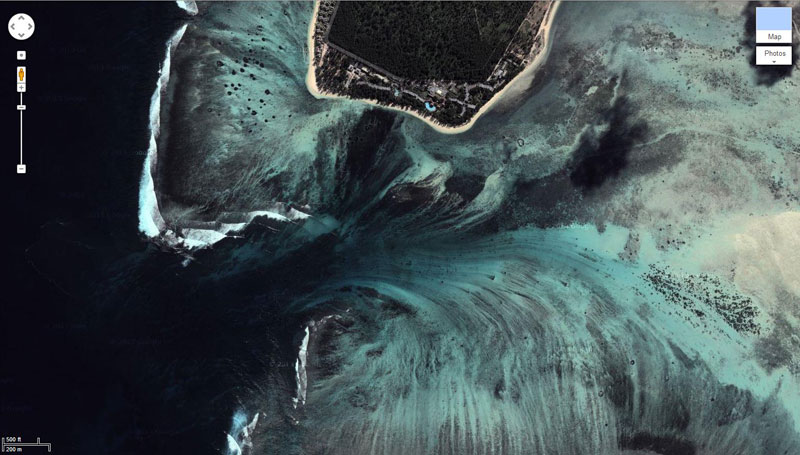 The Underwater Waterfall of Mauritius 2.jpg