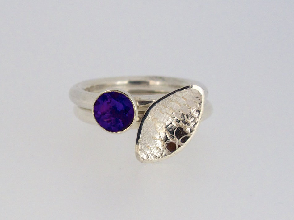 Falling leaves stacking rings with amethyst
