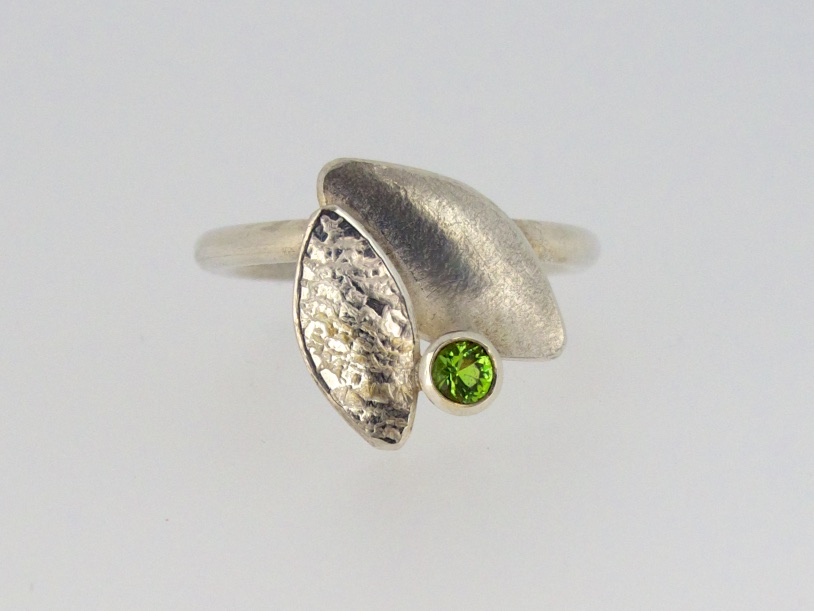 Kate Phipps Green cz leaf duo ring.jpg