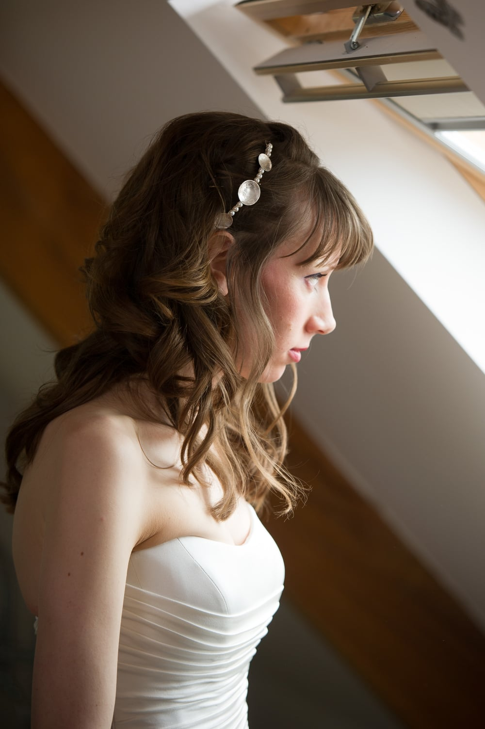 Lace embossed silver and pearl bridal hair accessory