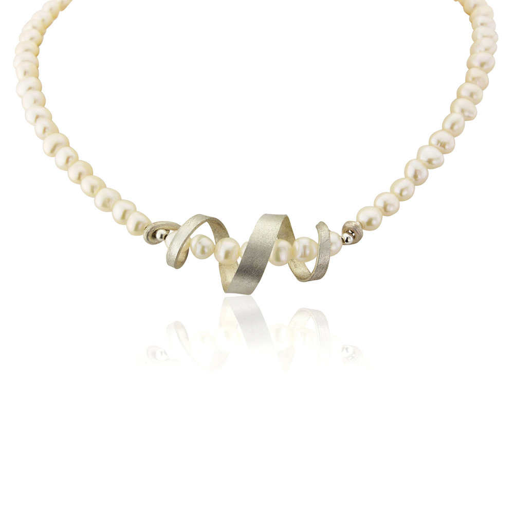Freshwater pearl and silver swirl necklace