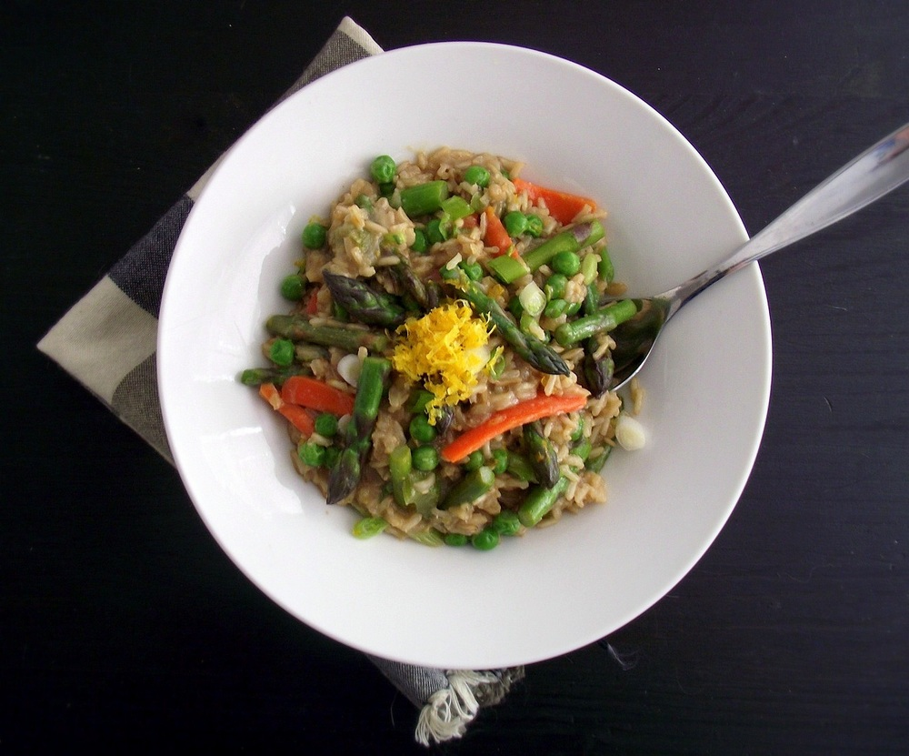 http://www.poorgirleatswell.com/site/wp-content/uploads/2011/10/spring-veggie-risotto-4.jpg