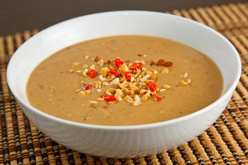 http://www.closetcooking.com/2007/11/peanut-sauce.html
