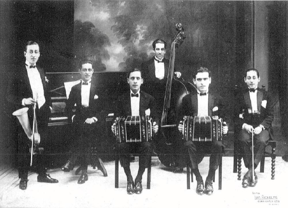 Orquesta tipica Julio de Caro
