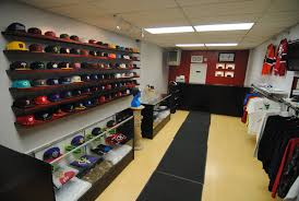 THE FITTED GALLERY 357 North Ave. New Rochelle, NY  10801   (914) 355-4926