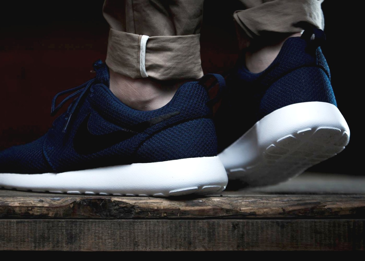 unstablefragments :     Nike Roshe Run   Buy it @  SNS  |  Size?  |  Nike US