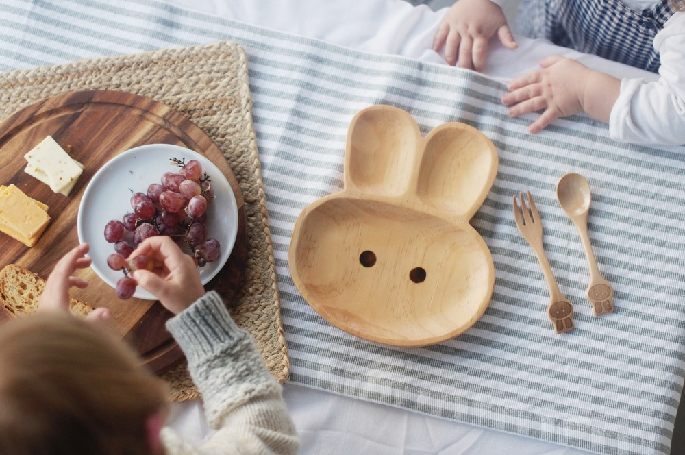 time concept petits at manna kids wood plate, utensils