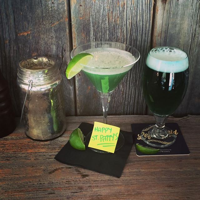 Celebrate your St. Patrick's Day with us! Lean green cuisine machines #stpatricksday #green🍀 #drinksonyou #eatlikeasaint #greenforlife #kissmeimirish #cocktailhour