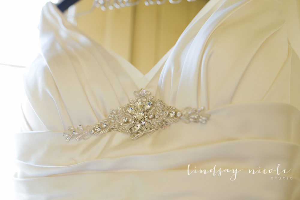 Wedding dress details <3.