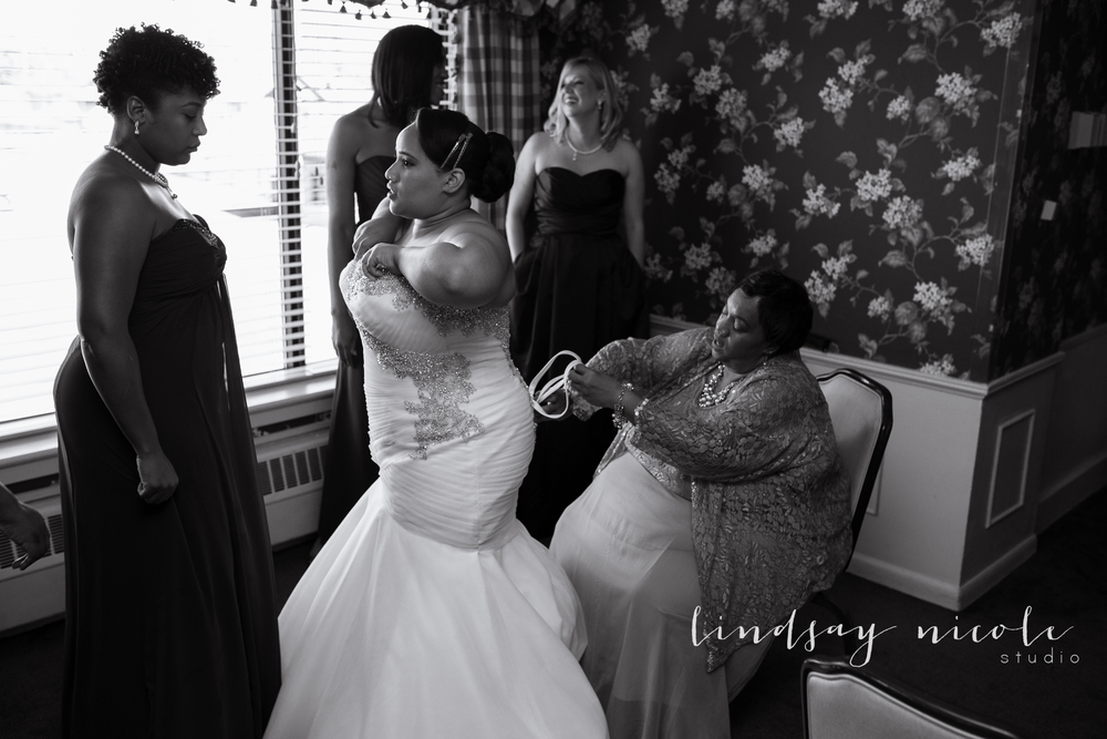 Sylvania_Ohio_Country_Club_Wedding_Carson-21.jpg