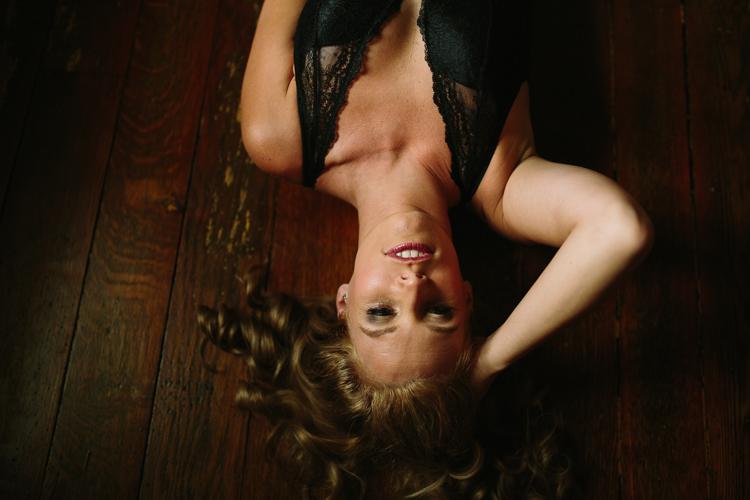 Toledo-Boudoir-Photographer-Lindsay-Nicole-Studio