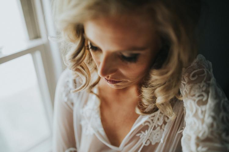 Toledo-Ohio-Boudoir-Photographer-Lindsay-Nicole-Studio