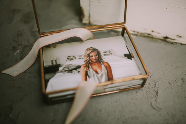 Toledo-Ohio-Boudoir-Photographer-Lindsay-Nicole-Studio.jpg