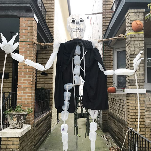When your neighbor runs the block Halloween party and decorates with the best hand made spooky creations!! HAPPY HALLOWEEN!!! #bathouse #tomisthebest #winsington