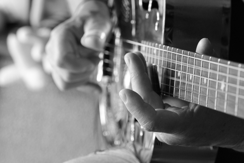 21-3-14 Silver guitar 2.JPG