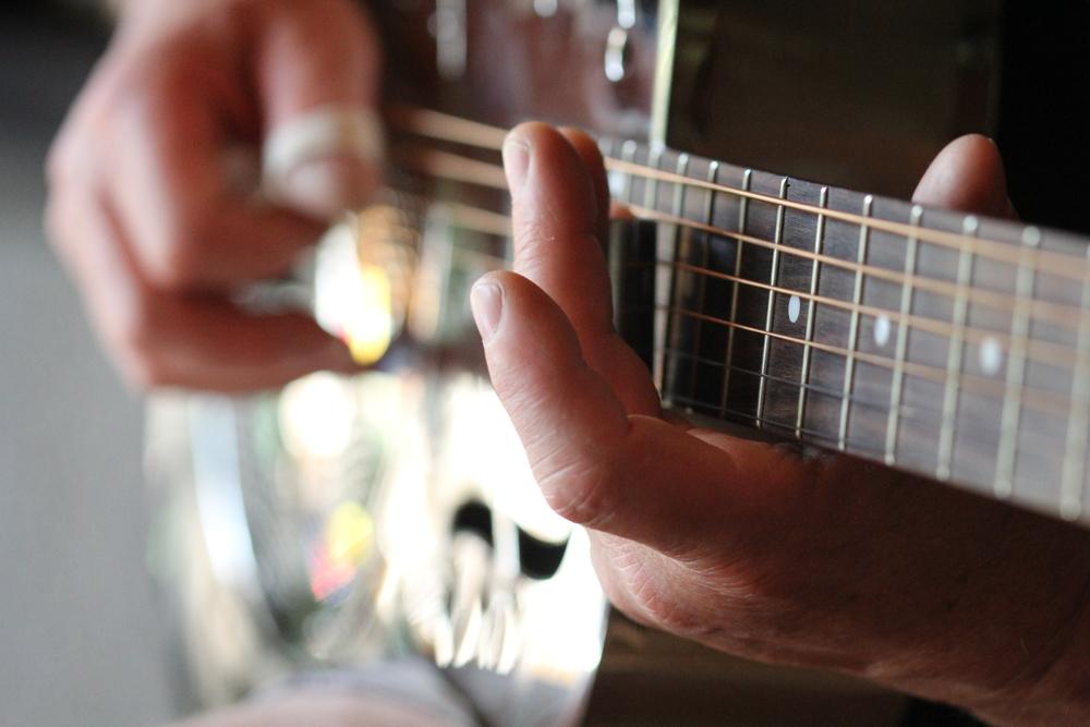 21-3-14 Silver guitar bokeh.JPG