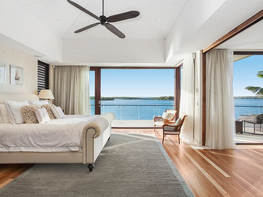 7 Knightsbridge Parade West, Sovereign Islands, QLD