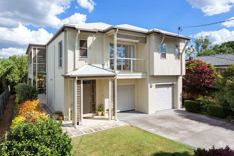 For sale:  13 Lentara Street, Kenmore, QLD