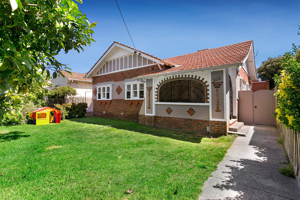 For sale: 913 Glen Huntly Road, Caulfield, VIC