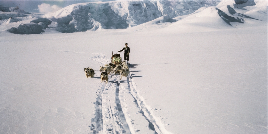 Reconnaissance foray on the Skelton Glacier, 1957 © The George Lowe Collection