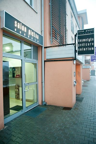 gabinet kosmetyczny - wejście od ulicy Szwaii