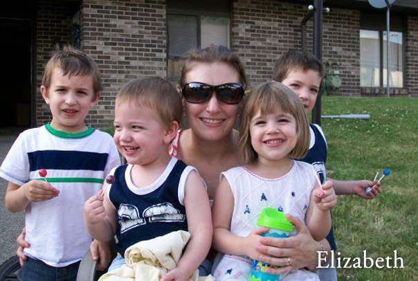 Mama of four gorgeous and energetic kiddos, and a bundle of hilarious energy herself.