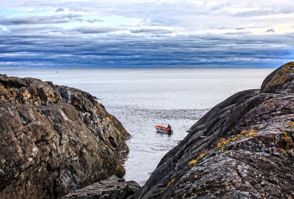 Fisken trives svært godt utenfor Saltsteins dype kløfter av lavafjell